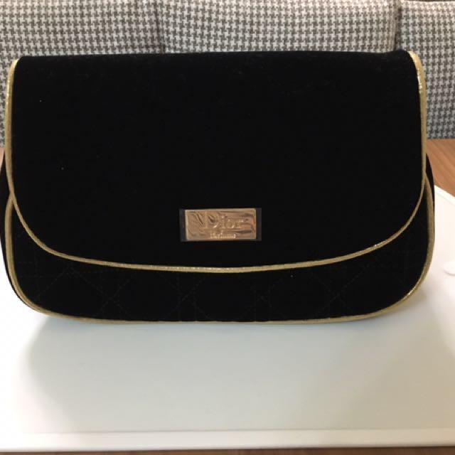 Dior黑絨菱格手拿化妝包(免運費)