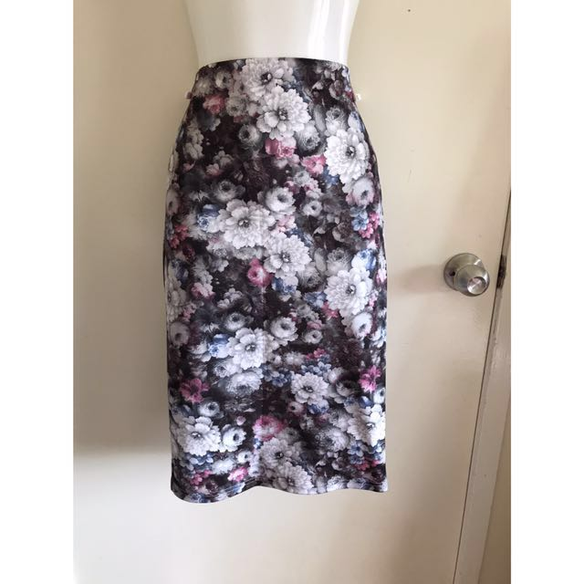 Dotti floral midi skirt size 8