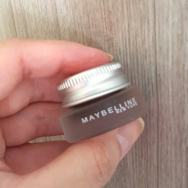 Eye liner maybelline
