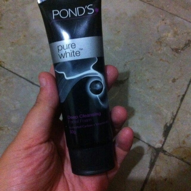 Facial wash Ponds pure white