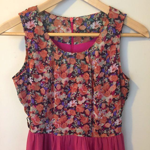 Floral chiffon dress size 8