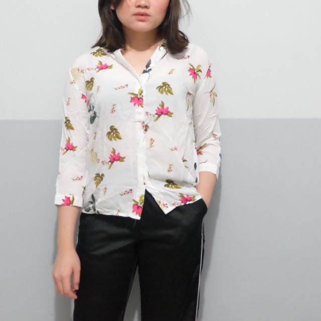 floral top from stradivarius