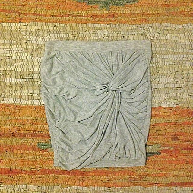 Gathered knot mini skirt