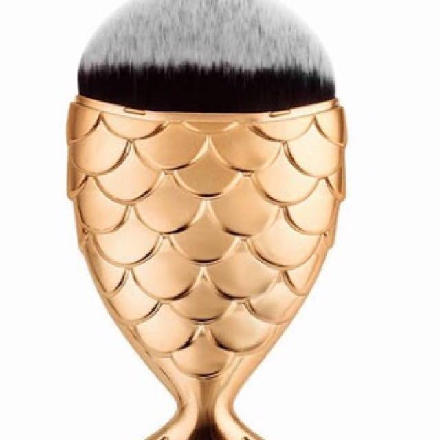 Gold MermaidTail Brush