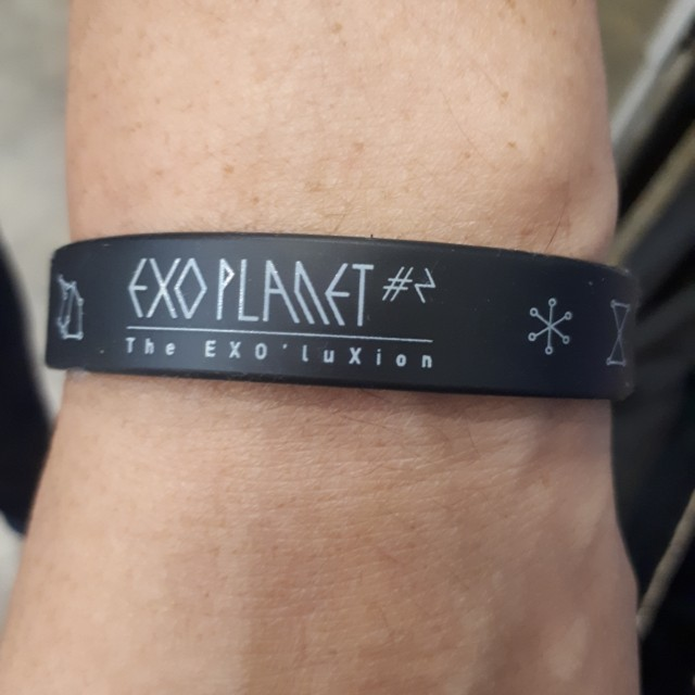 "Hand band ( black ) Exo Planet 2 ""The Exo'luxion"""