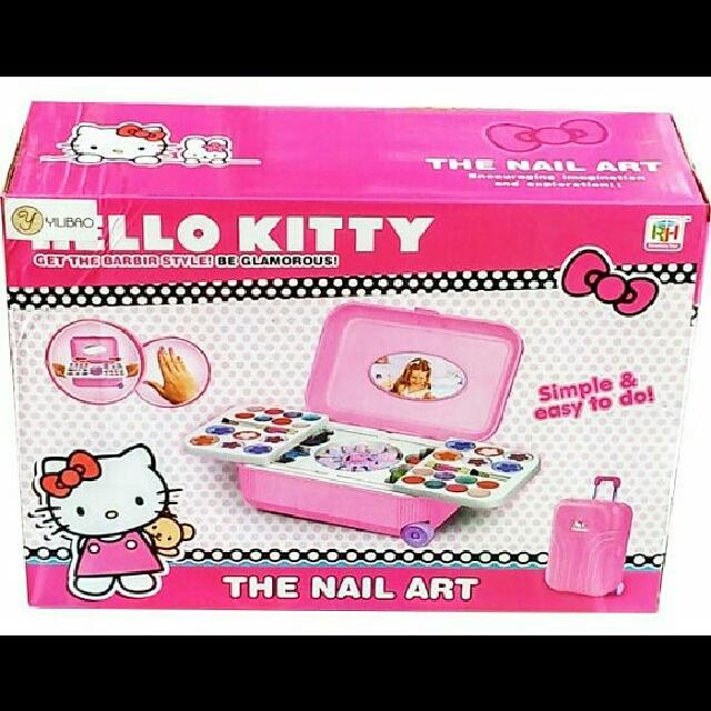 MAKE UP AND NAIL ART HELLO KITTY