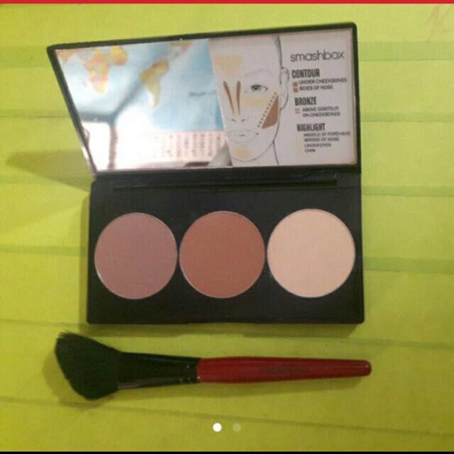 Medium smashbox contour and highlight kit