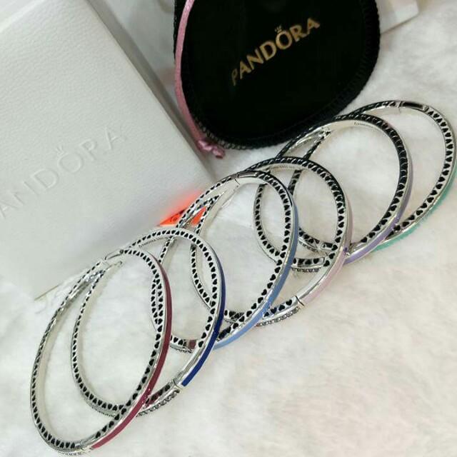 New Pandora Bangle Radiant Hearts
