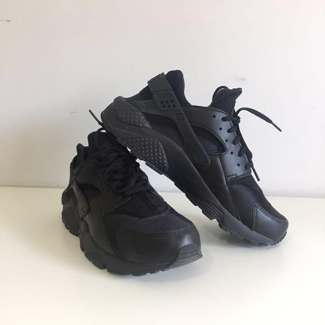 NIKE Air Huarache Black Leather