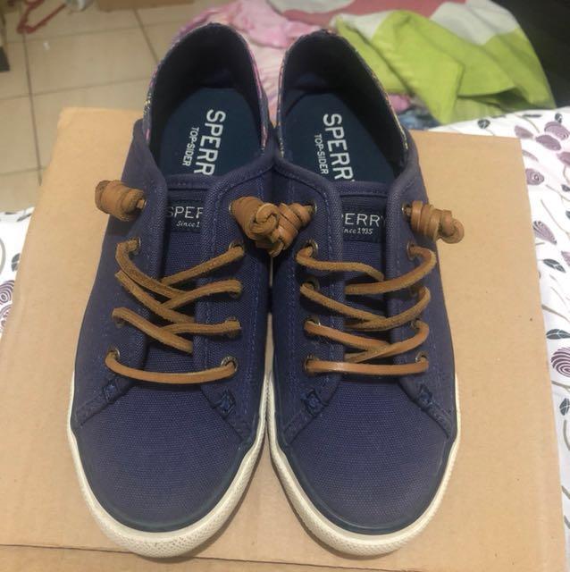Original sperry shoes size 5