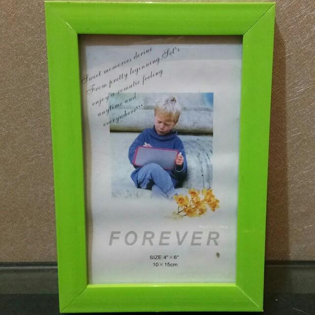 Photo Frame Hijau Muda 10 x 15 cm (baru, stok lama)
