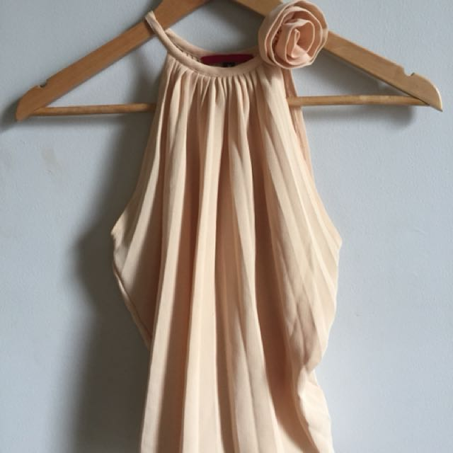 Pleated top with rose accent