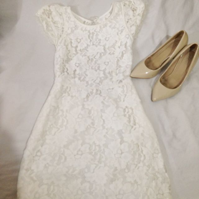 PRP white lace dress (backless)