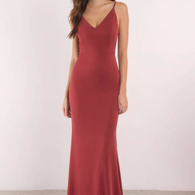 RED MAXI FORMAL DRESS BACKLESS