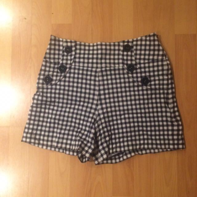 Review High Waist Shorts