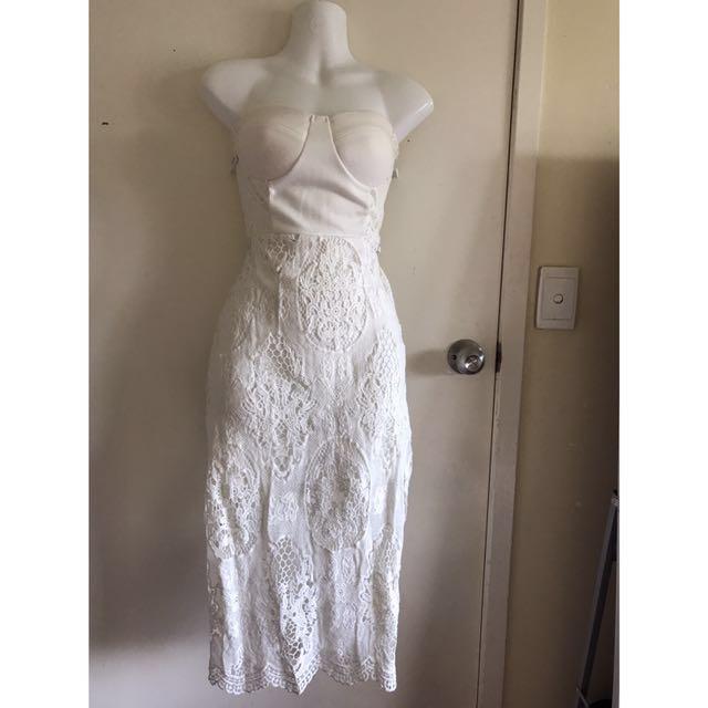 Rosebullet off white strapless Midi dress size 8