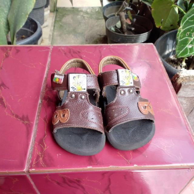 Sepatu sendal kulit anak