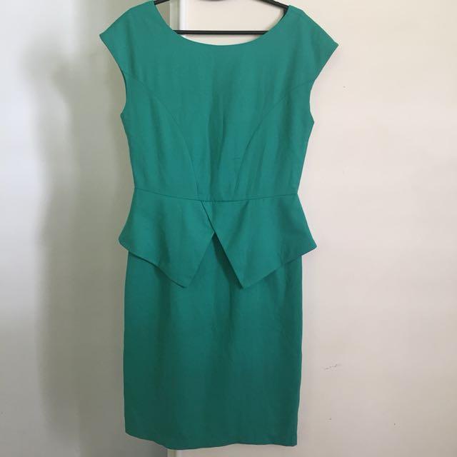 SM woman peplum dress green