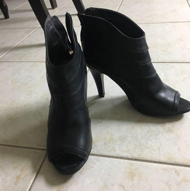 Suzy heels