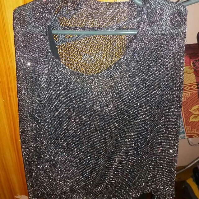 Yanna's glittery longsleeve with free sleeveless