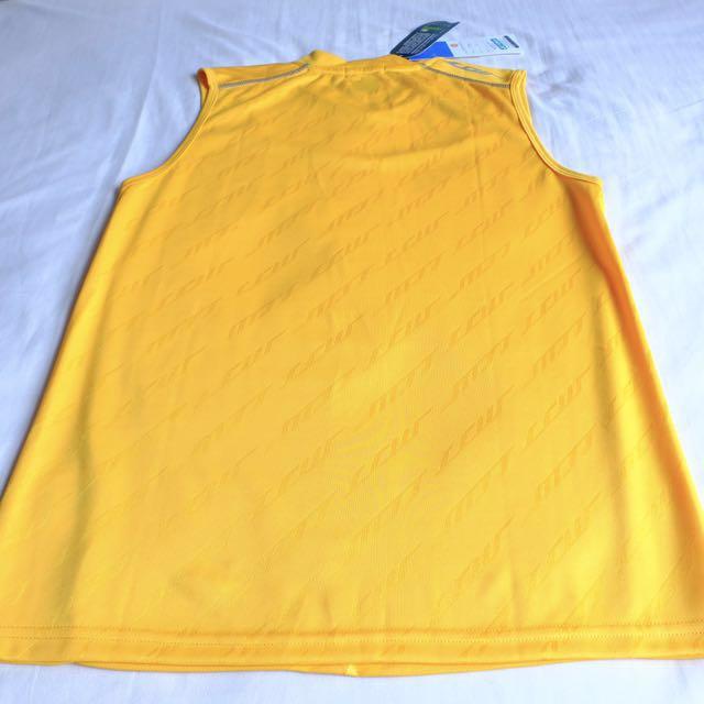 6bc304854fd92 Yonex LCW sleeveless for men