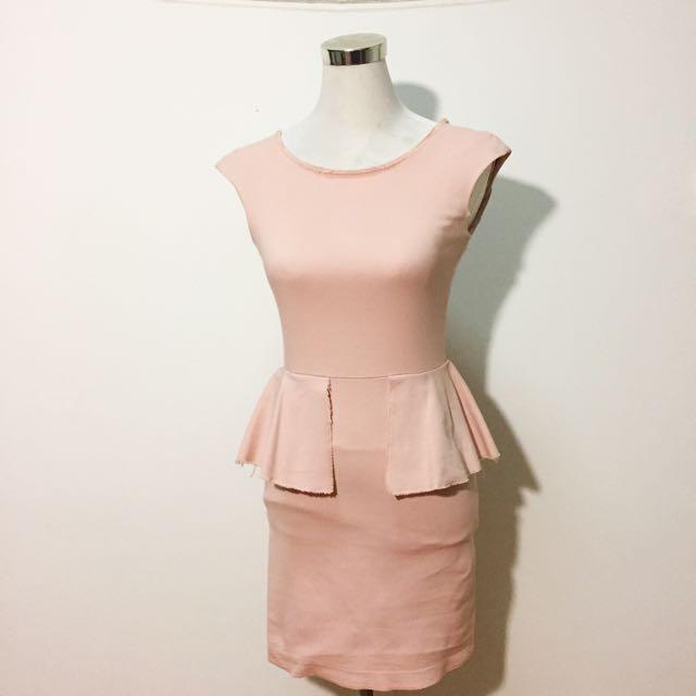 87212b49 Zara dusty pink peplum dress, Women's Fashion, Clothes, Dresses ...