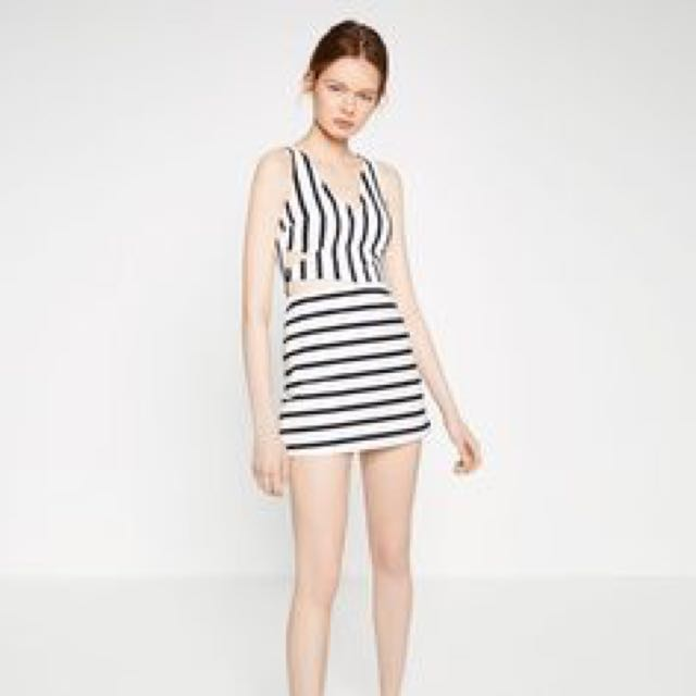 34a92b4e284 Zara Stripe Jumpsuit Playsuit Dress