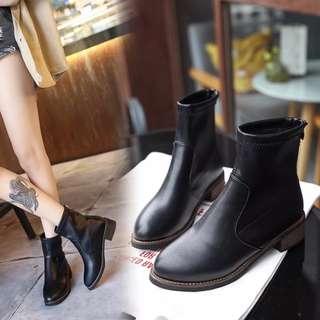 秋冬季平底女短靴粗跟加絨英倫馬丁圓頭休閒靴
