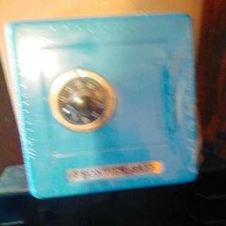 Metal coin safe