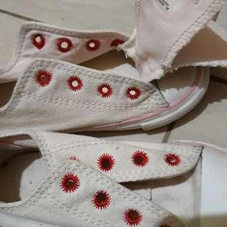 Converse cream sneakers