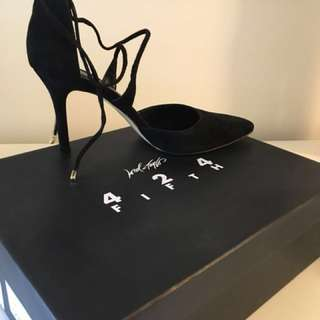 424 fifth lord & Taylor black suede pointy toe heels Size 6.5