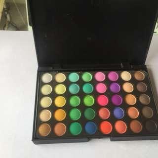 Unbranded eyeshadow palette