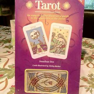 Set box tarot cards