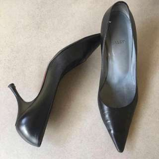 Reduced price... Authentic Bally High heels