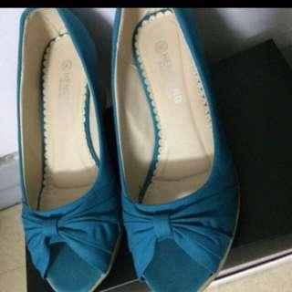 🚚 楔形露趾美鞋