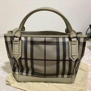 Burberry carry bag