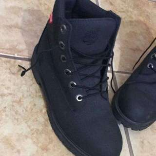 *Reduced* Womens Black Timberlands Mint Condition