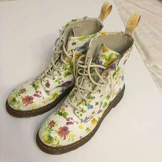 Doc Martens Floral Size 8 Boots