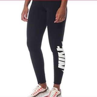 🎀 BNWT NIKE Leggings