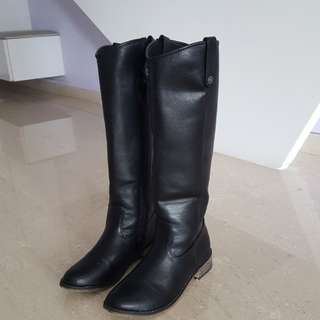 Ladies Knee High Winter Boots USA 8.5 EURO 39