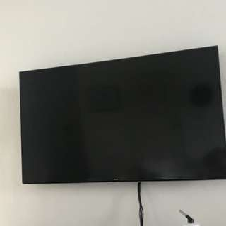 """Samsung Smart Tv 60"""" with wall bracket and stand"""
