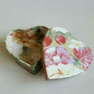 🆕Brand New Heart Shape Love Floral Gift Box