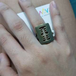 Fashion ring