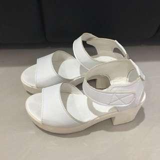 Wedges putih