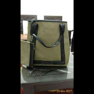 Tas Army New With Pouch