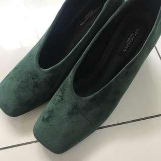 Green velvet heels, size 8