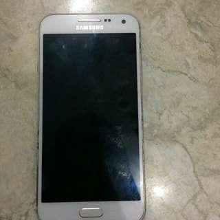 Samsung galaxi E5
