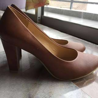 Hush Puppies US9 Heels