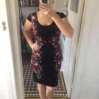 Diana Ferrari black and roses fitted dress Sz 8