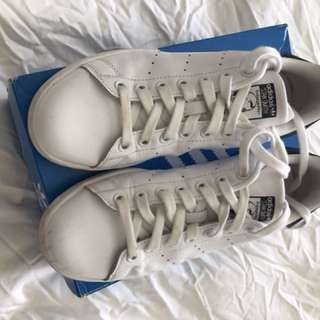 Adidas Stan Smith white and navy size 6